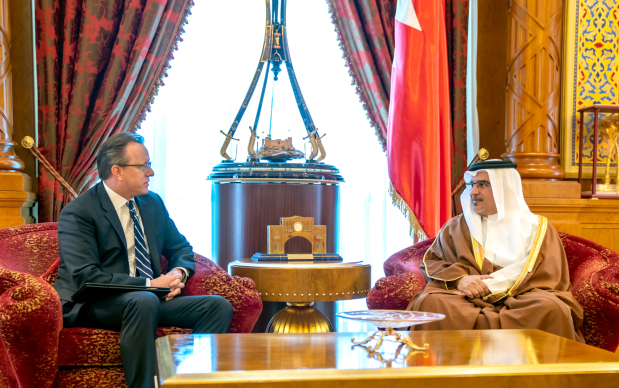 <p>His Royal Highness Prince Salman bin Hamad Al Khalifa, Crown Prince, Deputy Supreme Commander and First Deputy Prime Minister, yesterday received US Ambassador Justin Siberell and commended long-standing bilateral relations and steadily-growing co-operation.</p>