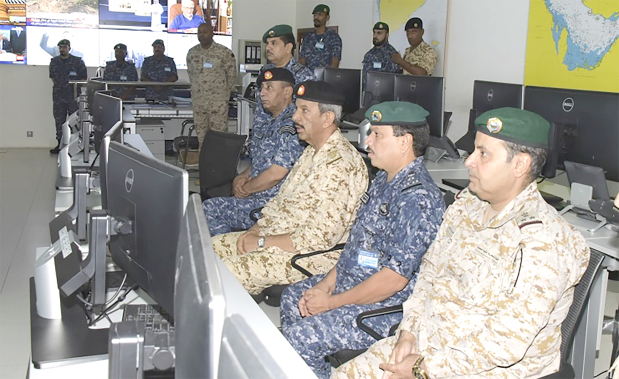<p>BDF Commander-in-Chief Marshal Shaikh Khalifa bin Ahmed Al Khalifa yesterday inspected a military unit and was briefed about combat readiness and weaponry.</p>