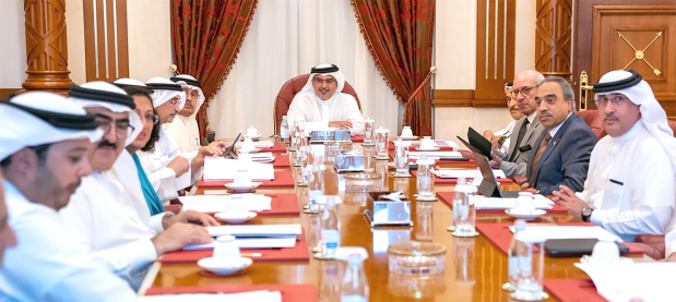 <p>His Royal Highness Prince Salman bin Hamad Al Khalifa, Crown Prince, Deputy Supreme Commander and First Deputy Premier, yesterday chaired a meeting of the government executive committee. Plans to improve traffic movement, progress of the National Health Insurance Scheme and Benayat, the streamlined process for issuing building permits, were discussed.</p>