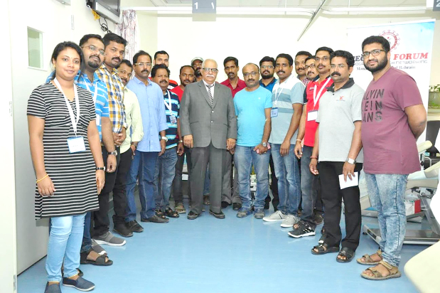 <div><i>Officials, staff and donors at the donation drive.</i></div>