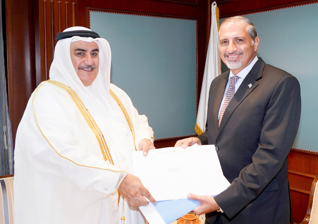 <p>Foreign Minister Shaikh Khalid bin Ahmed Al Khalifa met Amin El Sharkawi, who submitted his credentials as Resident Co-ordinator of the UN System's Operational Activities for Development in Bahrain. He also received Mohamed El Zarkani and received his credentials as chief of mission of the International Organisation for Migration. Above, Shaikh Khalid with El Sharkawi.</p>