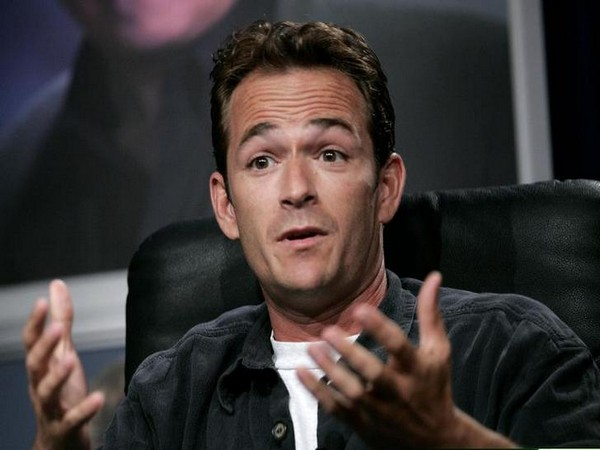 'BH90210' actors remember late Luke Perry