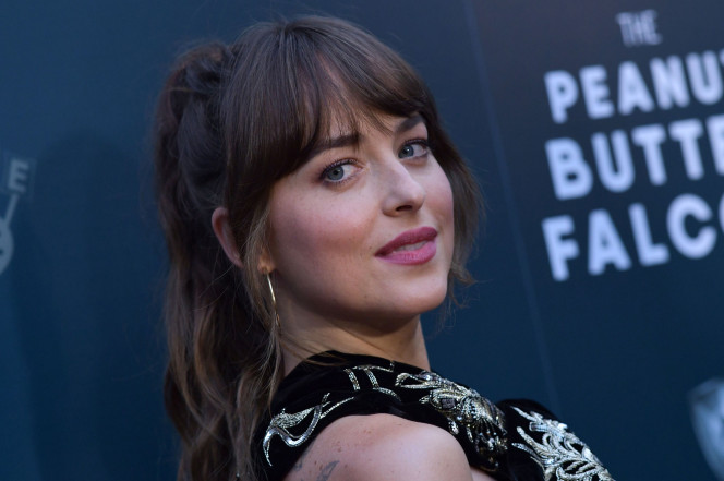 Dakota Johnson appears to have closed her tooth gap; fans devastated