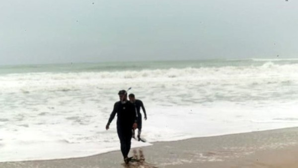 Body of man who drowned in the sea pulled out