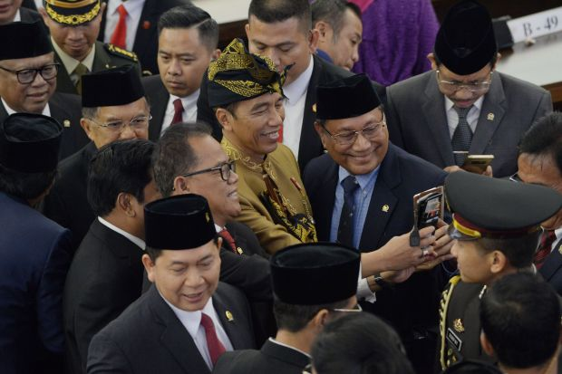 Indonesian president proposes relocating capital to Borneo