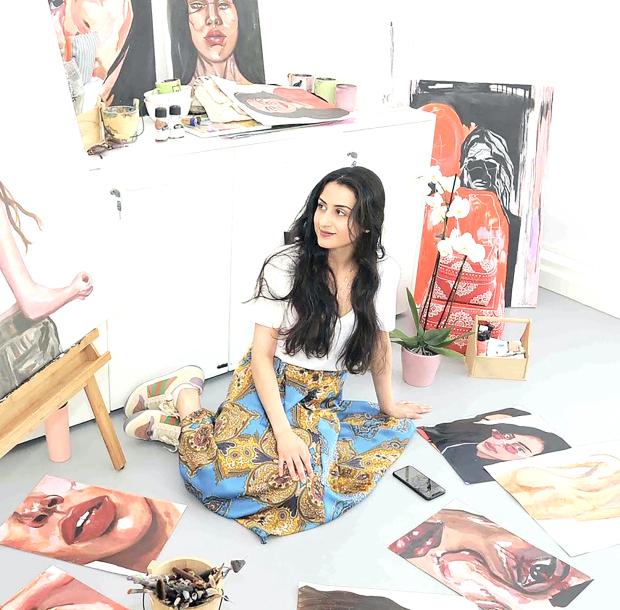 Bahraini artist inspires pupils to master the art of oil painting