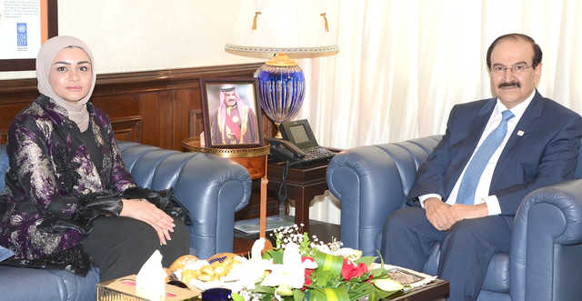 <p>Electricity and Water Affairs Minister Dr Abdulhussain Mirza yesterday received MP Kaltham Al Hayki and reviewed electricity, water and renewable energy projects.</p>