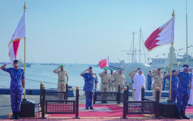 King praises Bahrain navy