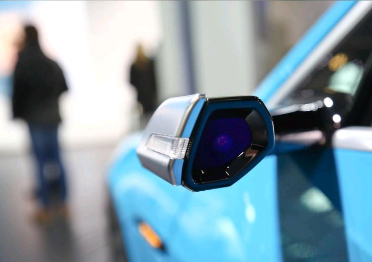 US to test mirrorless, camera-based systems in autos