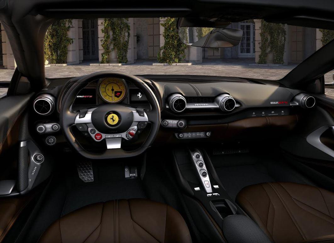 Ferrari 812 GTS: the V12 spider returns