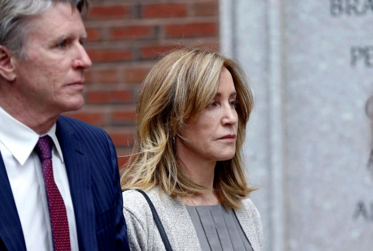 Actress Felicity Huffman goes to court for US college scandal sentencing