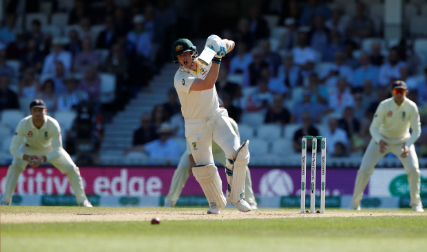 ASHES: Smith stands firm as England eye victory