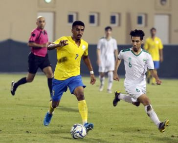 <p>Budaiya defeated Galali 2-0 in a Second Division League match played at Al Najma Club Stadium last night. They led 1-0 at half-time. In another match, Sitra held Al Ittifaq to a goalless draw at Riffa Club Stadium. Above, action from the match between Budaiya and Galali. Picture by ROY MATHEWS</p>