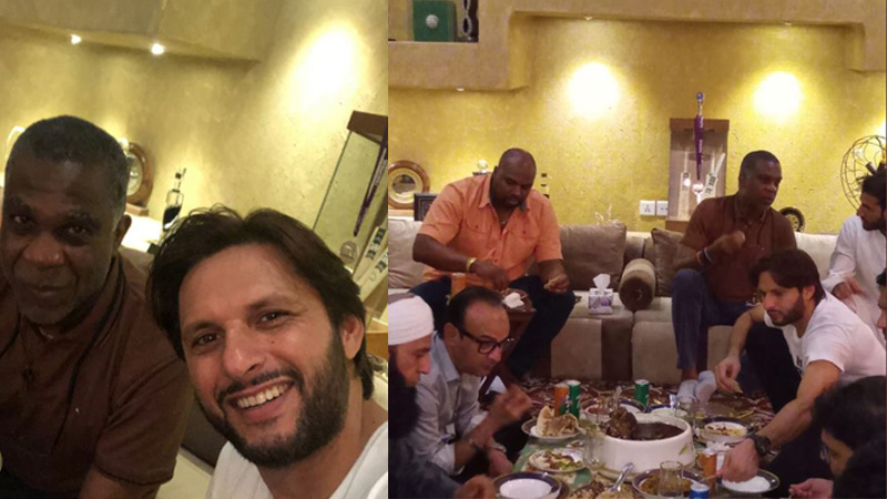 Shahid Afridi hosts dinner for Michael Holding at his residence