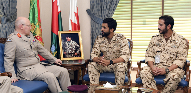 <p>Royal Guard Commander Major-General Shaikh Nasser bin Hamad Al Khalifa yesterday received Lt-Gen Sir John Lorimer and discussed co-operation in military field through joint exercises. Royal Guard Special Force commander Lieutenant Colonel Shaikh Khalid bin Hamad Al Khalifa attended.</p>