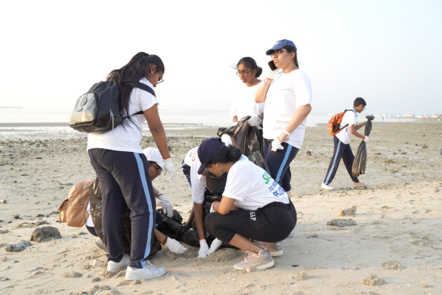 <p>Indians and Bahrainis participated in a clean- up drive at Karbabad beach yesterday.</p> <p>The event Swachhata Hi Seva, a cleanliness inititaive was organised by the Indian Embassy to mark the 150th birth anniversary of Mahatma Gandhi.</p> <p>Indian Ambassador Alok Kumar Sinha took part in the event and delievered the message of reducing consumption of single-use plastic bags.</p>