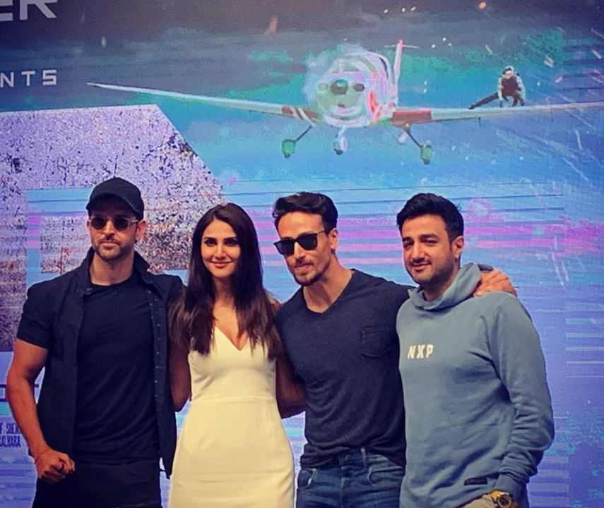 Bollywood: In Pictures: Hrithik Roshan, Vaani Kapoor and Tiger Shroff celebrate 'War' movie success
