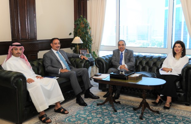 <p>Works, Municipalities Affairs and Urban Planning Minister Essam Khalaf yesterday received Bahrain Real Estate Investment Company (Edamah) chief executive Amin Al Arrayadh and discussed progress of work on the Saada project in Muharraq.</p>