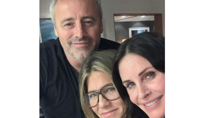 Blast from the past: Monica, Rachel and Joey in one frame again