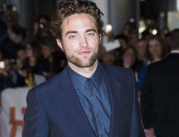 Robert Pattinson will compete as lead actor in 'The Lighthouse'
