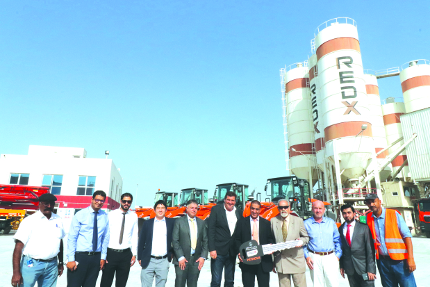 Kanoo Machinery delivers Hitachi wheel loaders to RedX Industries