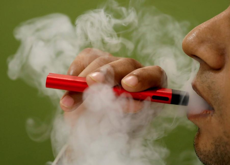 US vaping-related deaths rise to 21
