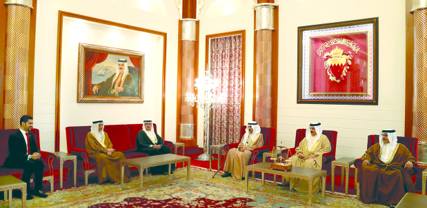 His Majesty King Hamad yesterday received, at Safriya Palace, in the presence of His Royal Highness Prime Minister Prince Khalifa bin Salman Al Khalifa and His Royal Highness Prince Salman bin Hamad Al Khalifa, Crown Prince, Deputy Supreme Commander and First Deputy Premier, newly-appointed Electricity and Water Affairs Minister Wael bin Nasser Al Mubarak, who took his oath before the King. His Majesty congratulated the minister and wished him success.