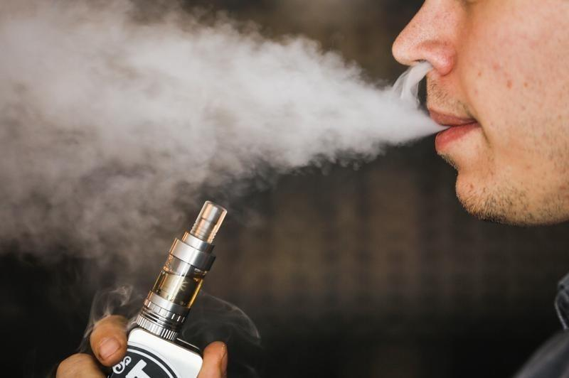 Amid vaping crisis, U.S. to issue new advice for doctors focused on lung infections
