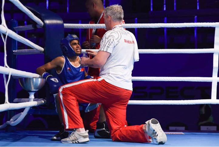 Brave young fighter makes his mark but loses on points in quarter-final battle