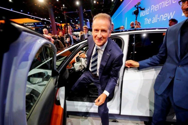 Volkswagen CEO says electric car shift won't hurt margins