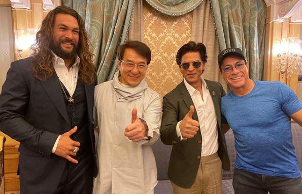 King Khan meets his 'heroes' in Saudi Arabia