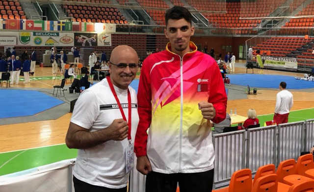 <p>Bahrain national taekwondo team member Abdulla Al Ahmed bowed out of an international championship in Bosnia Herzegovina following his defeat to Bosnian David Marusic (18-14). The Internation Taekwondo Federation organised the tournament which is a G1 championship. Bahrain Taekwondo Association chairman Abdulla Isa Al Dowi attended the event.</p>