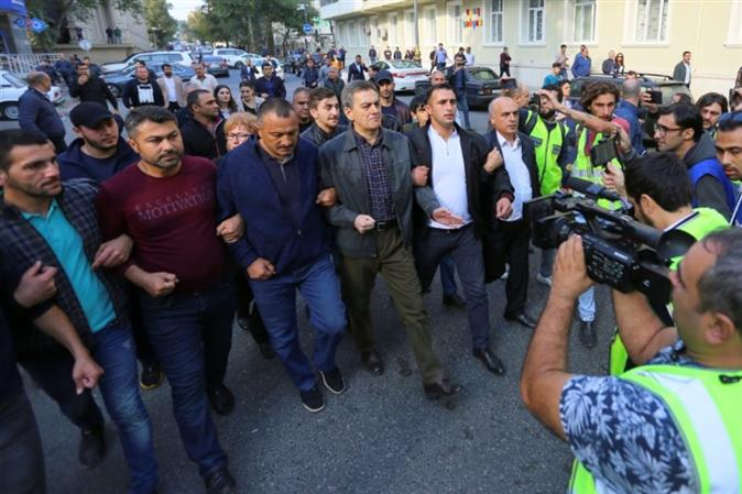 Azerbaijan: Police release opposition party leader after detention