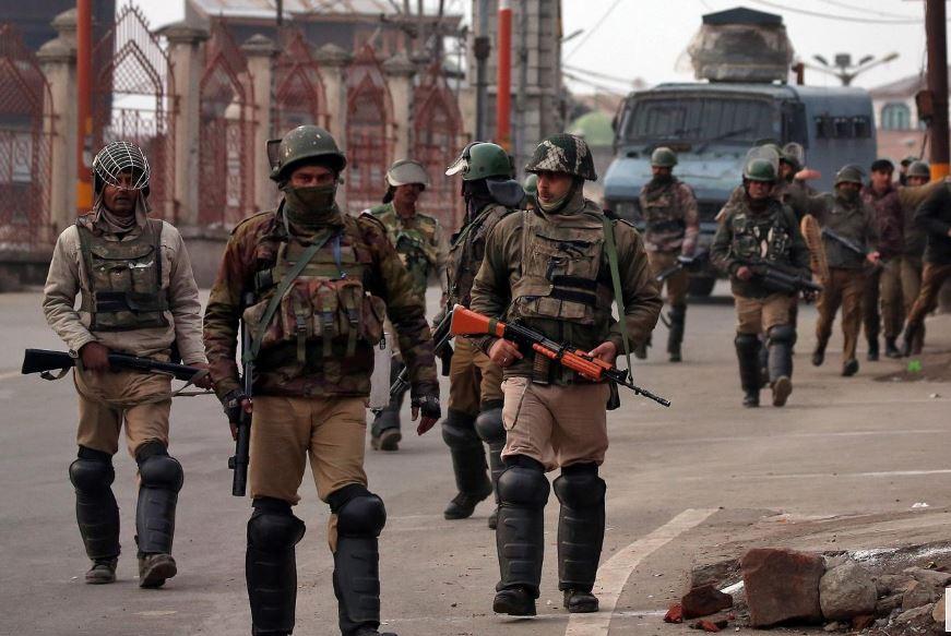 Indian soldiers, Pakistani civilians among dead in Kashmir clash