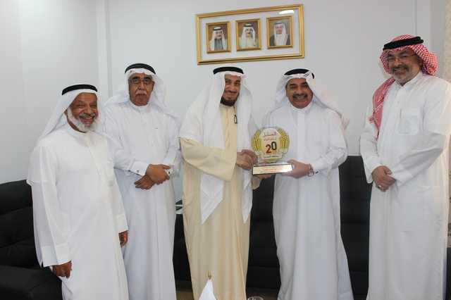 <p>Joint co-operation in humanitarian, voluntary and charitable work between Bahrain Red Crescent Society (BRCS) and Al Sanabel Orphan Care Society was discussed at a key meeting.</p> <p>BRCS acting secretary general and director general Mubarak Al Hadi pledged the society&rsquo;s support to all humanitarian and charitable work while orphan society chairman Sheikh Adnan Abdullah Al Qattan expressed keenness to launch joint programmes and initiatives to serve under-privileged people, such as orphans, widows and others.</p> <p>He also praised BRCS for providing an ambulance, a paramedic and a driver to the Bahraini pilgrimage mission over the past 15 years. Above, Sheikh Adnan, centre, and Mr Al Hadi, second from right, with other officials at the meeting.</p>