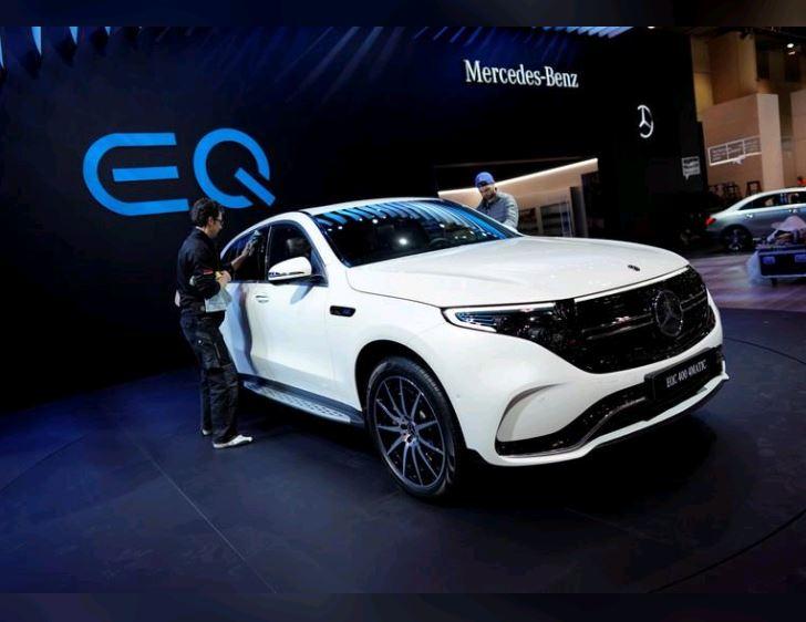 Daimler's electric Mercedes-Benz SUV to make US debut