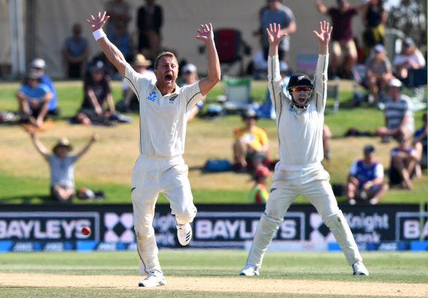 Wagner runs through tail as NZ thrash England in first test