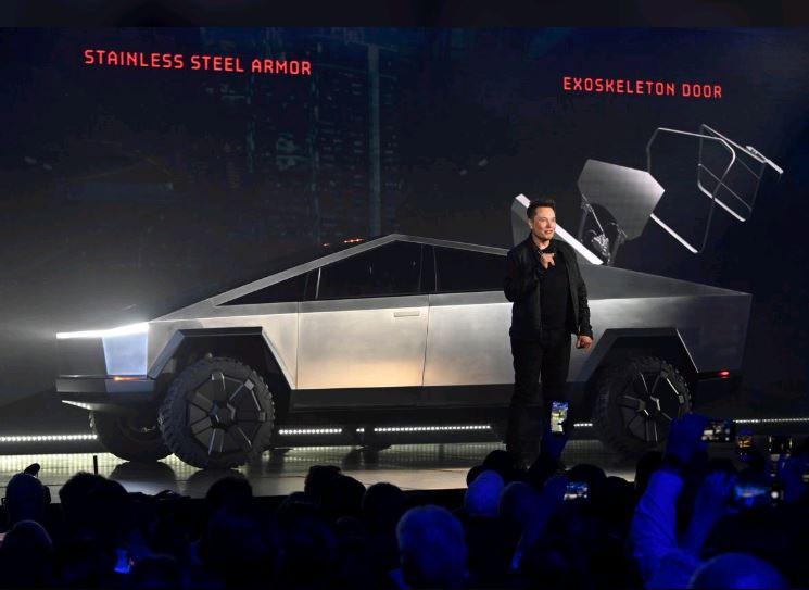 Musk suggests Tesla has 250,000 orders for Cybertruck