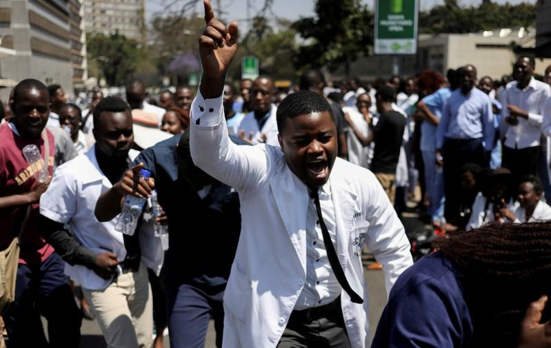 Sacked Zimbabwe state doctors reject offer to return to work