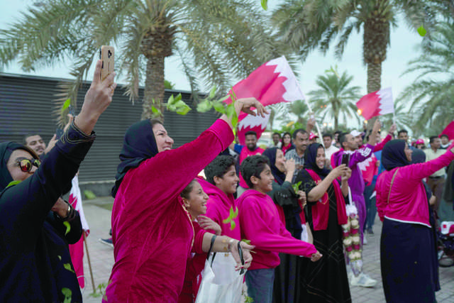 <div>Bahrain's sporting heroes flew in yesterday after winning the Gulf Cup to a grand welcome and a victory parade.</div><div><br></div><div>Children in traditional wear were ready to throw rose petals and sweets accompanied by elderly women after the aircraft landed to a water salute.&nbsp;</div>