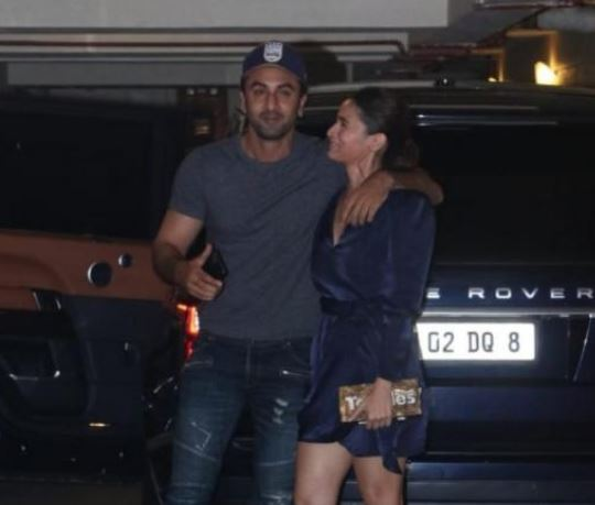 Adorable Alia and Ranbir snapped up at Kareena's Christmas bash
