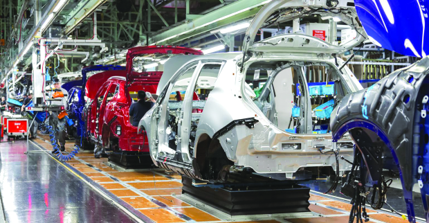 Nissan orders drastic spending cuts