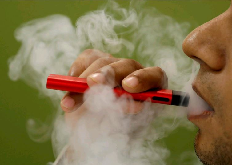 US vaping-related deaths rise to 55, cases of illness to 2,561