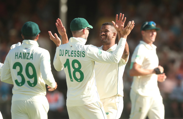 South Africa on top as England labour with the bat