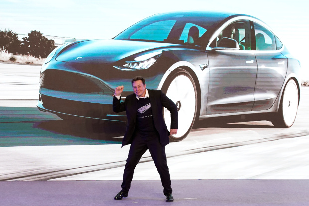 Musk unveils Tesla model in China