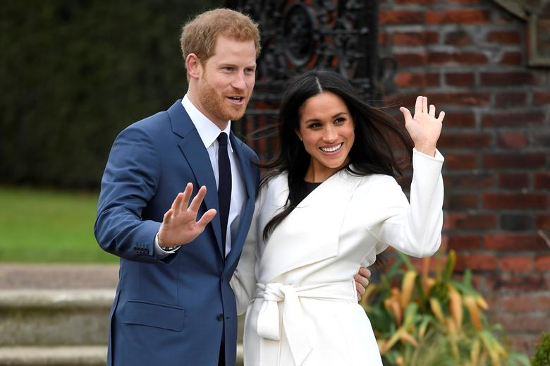 Meghan returns to Canada as British royals seek to solve Harry rift