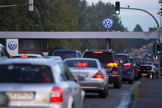 More than 400,000 German jobs at risk in switch to electric cars