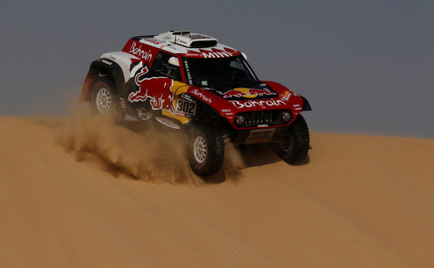 Sainz stretches Dakar Rally lead
