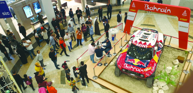 Dakar heroes get a rousing welcome