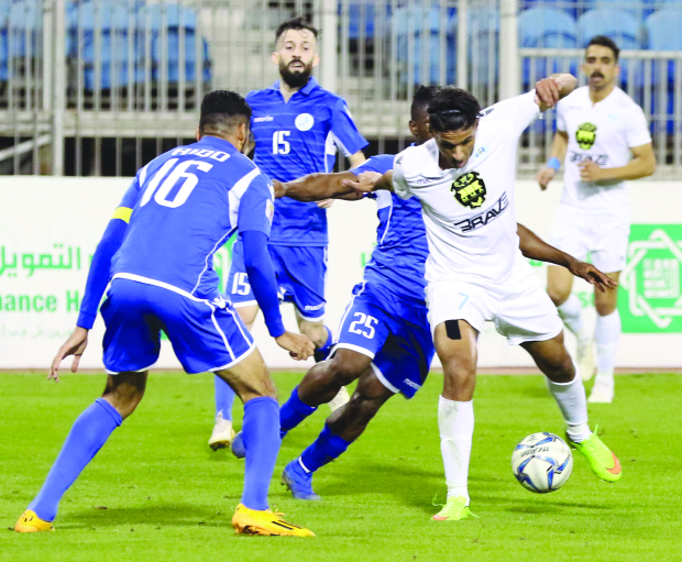 Al Hidd stay top of table with fine win